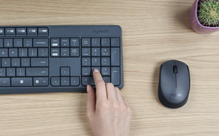 Logitech MK235 Wireless Keyboard and Mouse Gray (Серая) цена и информация | Клавиатуры | 220.lv