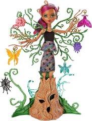 "Monster High lelle Treesa ""Dārzu noslēpumi"""